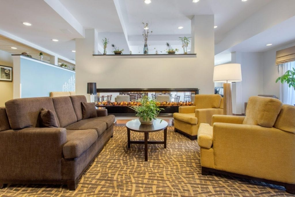 SLEEP INN & SUITES - CHOICE HOTELS - MIDDLETOWN NY Living Room
