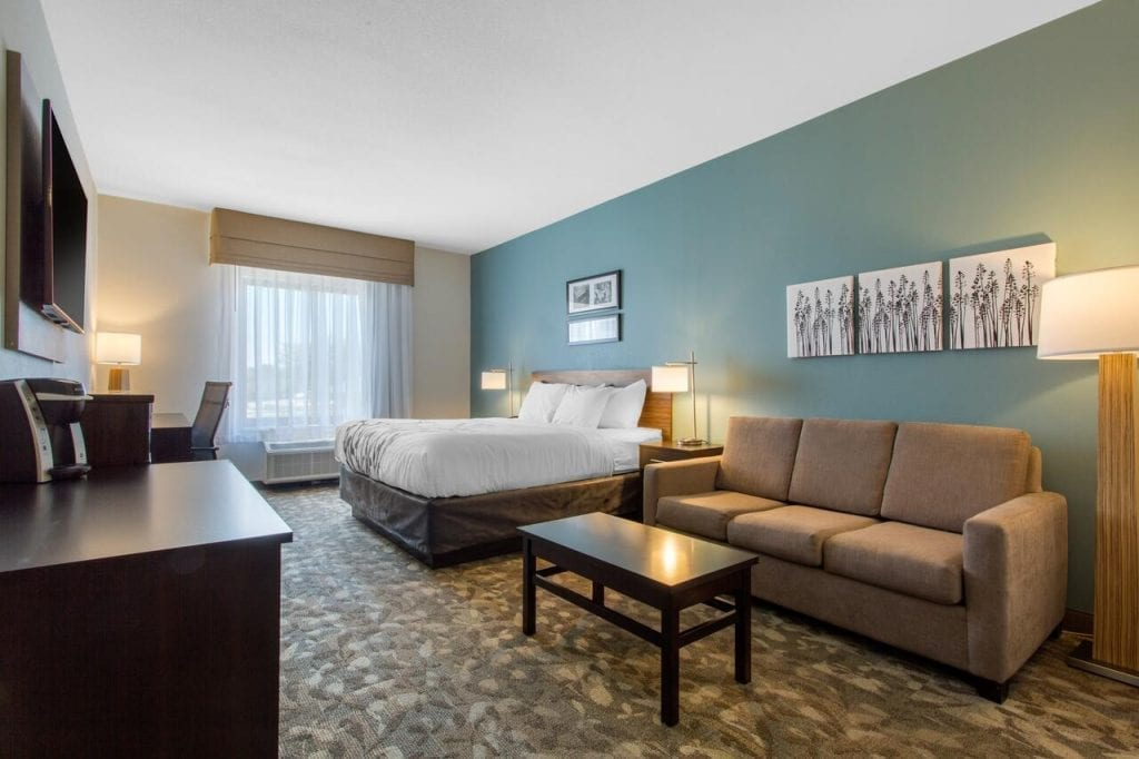 SLEEP INN & SUITES - CHOICE HOTELS - MIDDLETOWN NY Guest Room Design